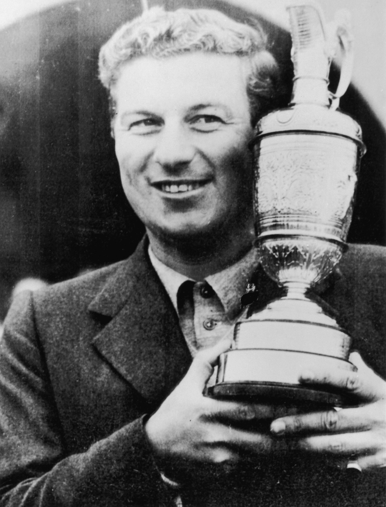Peter Thomson, who won the Open Championship three years in a row from 1954 to 1956, has died at the age of 88 ©Getty Images