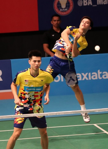 Malaysia's Ong Yew Sin and Teo Ee Yi gave the home crowd something to cheer by beating second seeds Mathias Boe and Carsten Mogensen in the men's doubles ©BWF