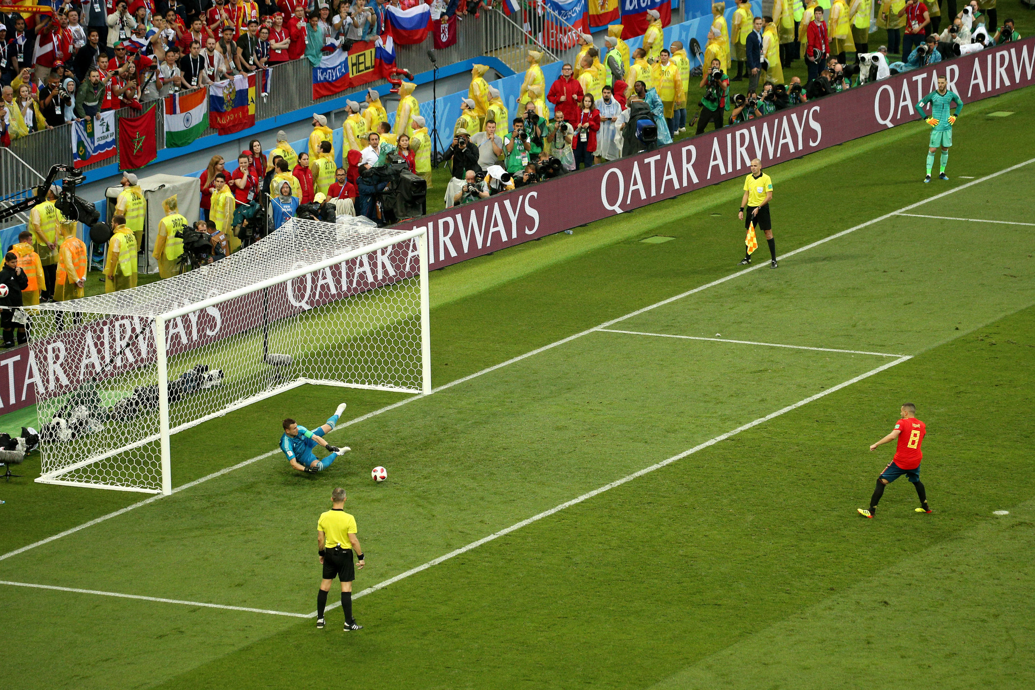 Igor Akinfeev saves from Koke during the penalty shoot-out ©Getty Images