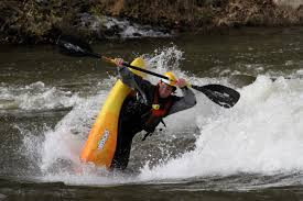 Jackson bounces back to lead preliminaries at ICF Canoe Freestyle World Cup