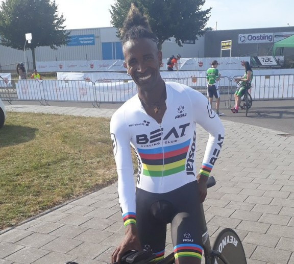 Dutch rider enjoys home success at UCI Para-cycling Road World Cup in Emmen