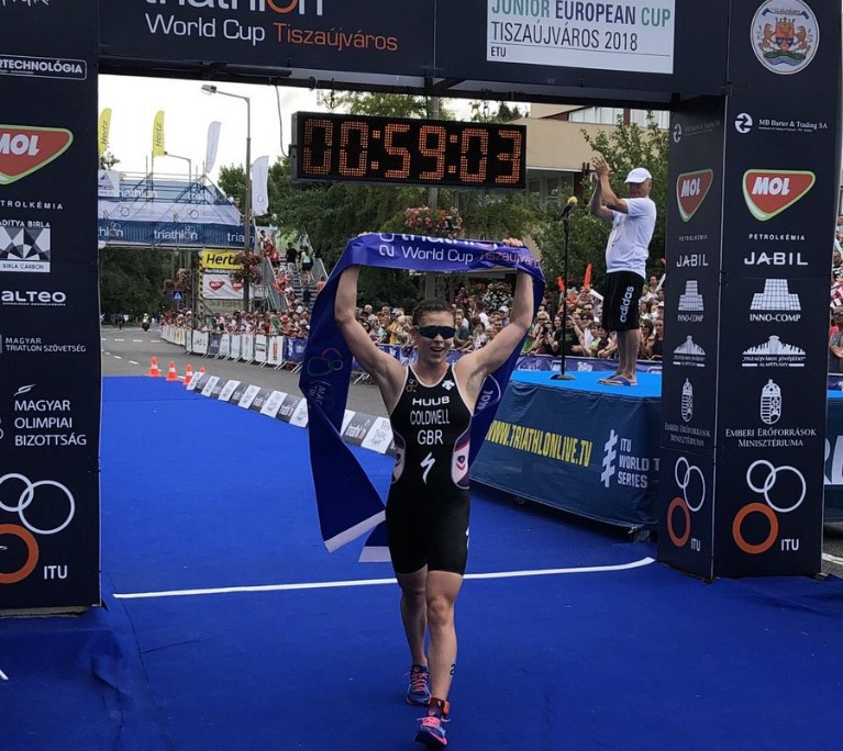 Sophie Cowell burst ldwell claimed a British win in the women's triathlon race ©ITU