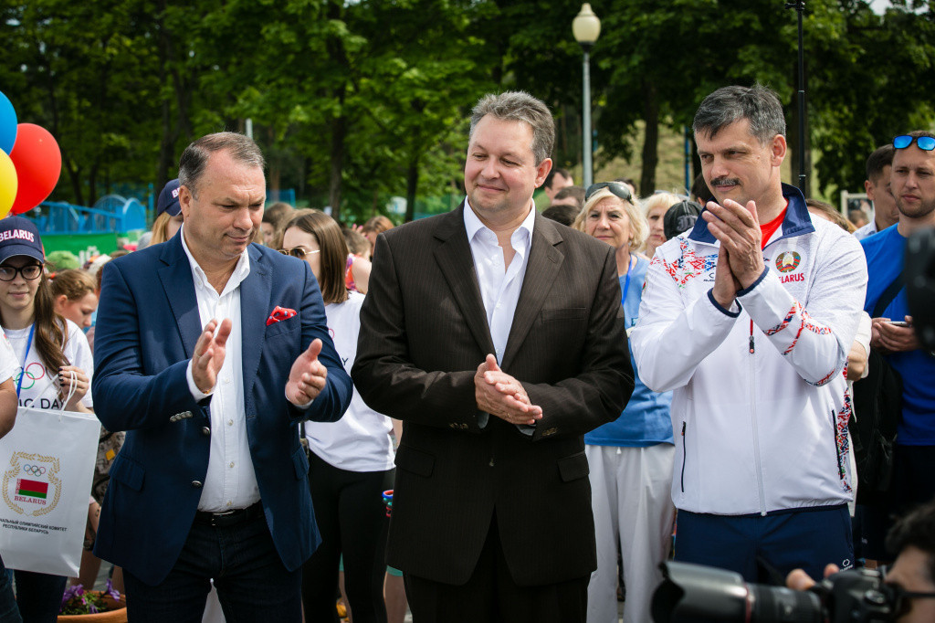 Belarus' Sports Minister Sergei Kovalchuk, right, is confident that the 2019 European Games will be a success ©NOC Belarus