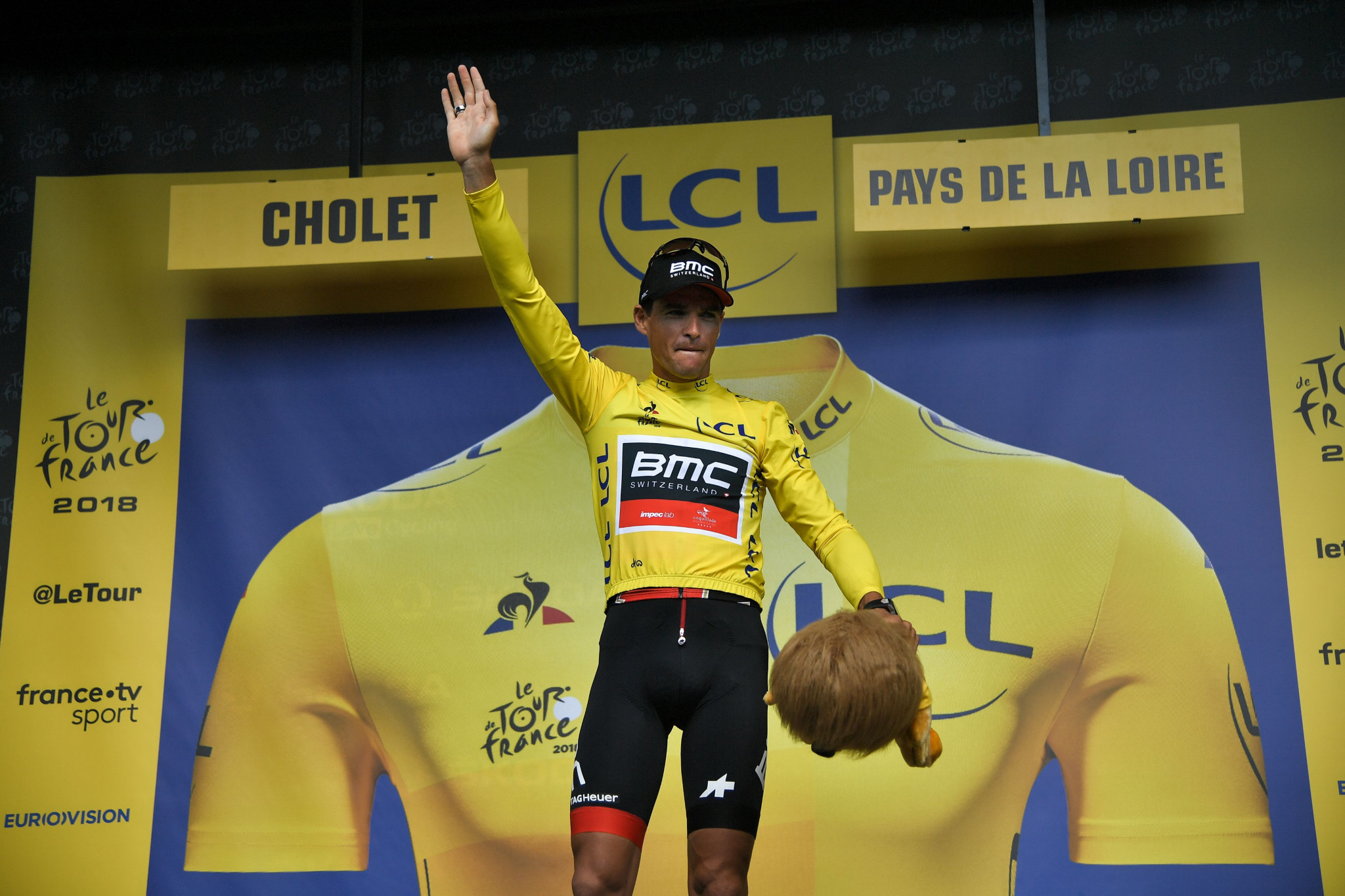 Olympic champion takes Tour de France yellow jersey in team time trial