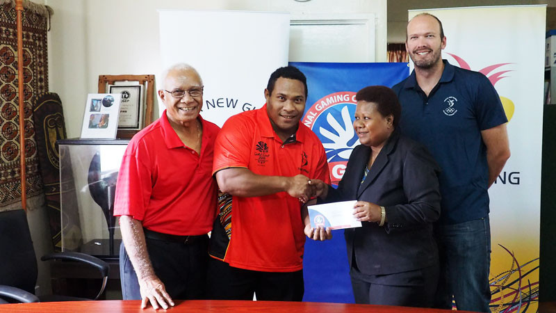 Cash rewards from the country's Government have been presented to the Papua New Guinea Olympic Committee ©PNGOC