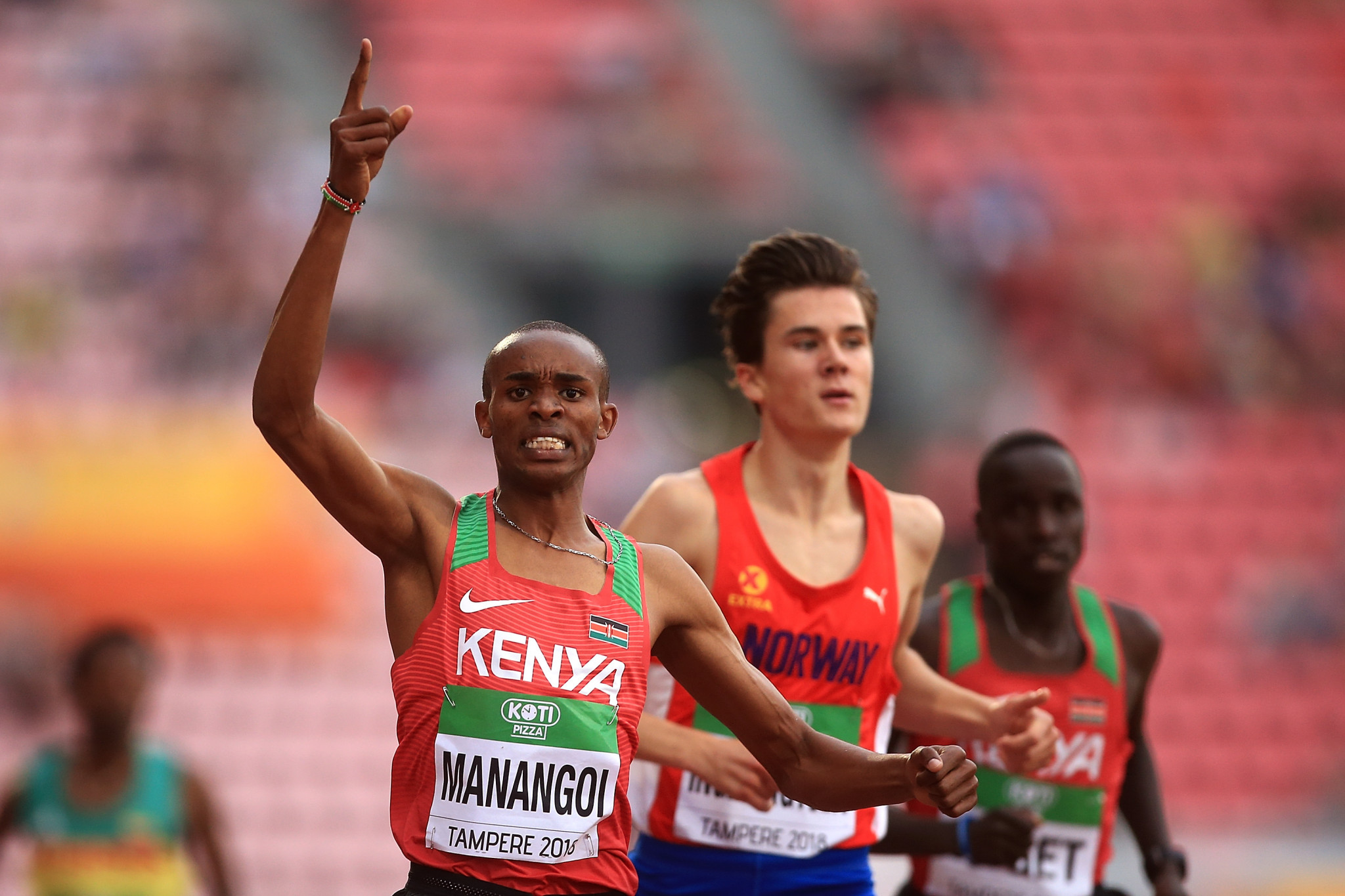 George Mananhoi beats Jakob Ingebrigtsen to the IAAF World Ubder-20 1,500m title in Tampere, Finland ©Getty Images