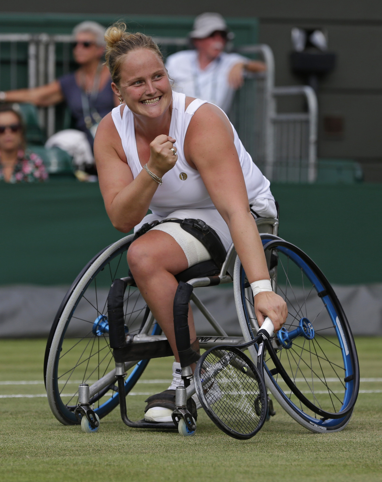 Anniek van Koot won a tight semi-final to earn a place in the Wimbledon women's wheelchair singles final against fellow Dutchwoman Diede de Groot, the defending champion ©Getty Images