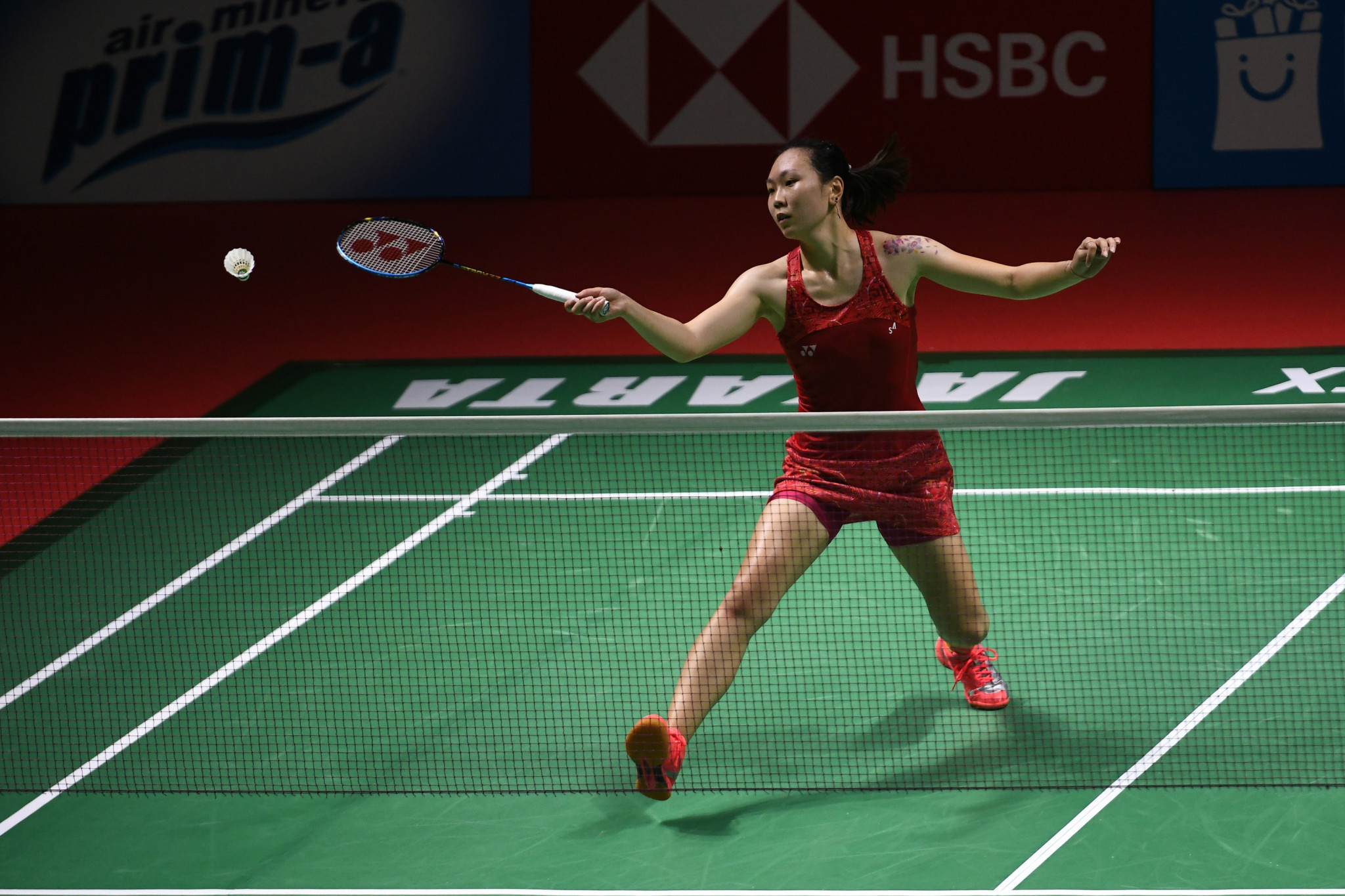 Zhang battles back to oust top seed at BWF Thailand Open