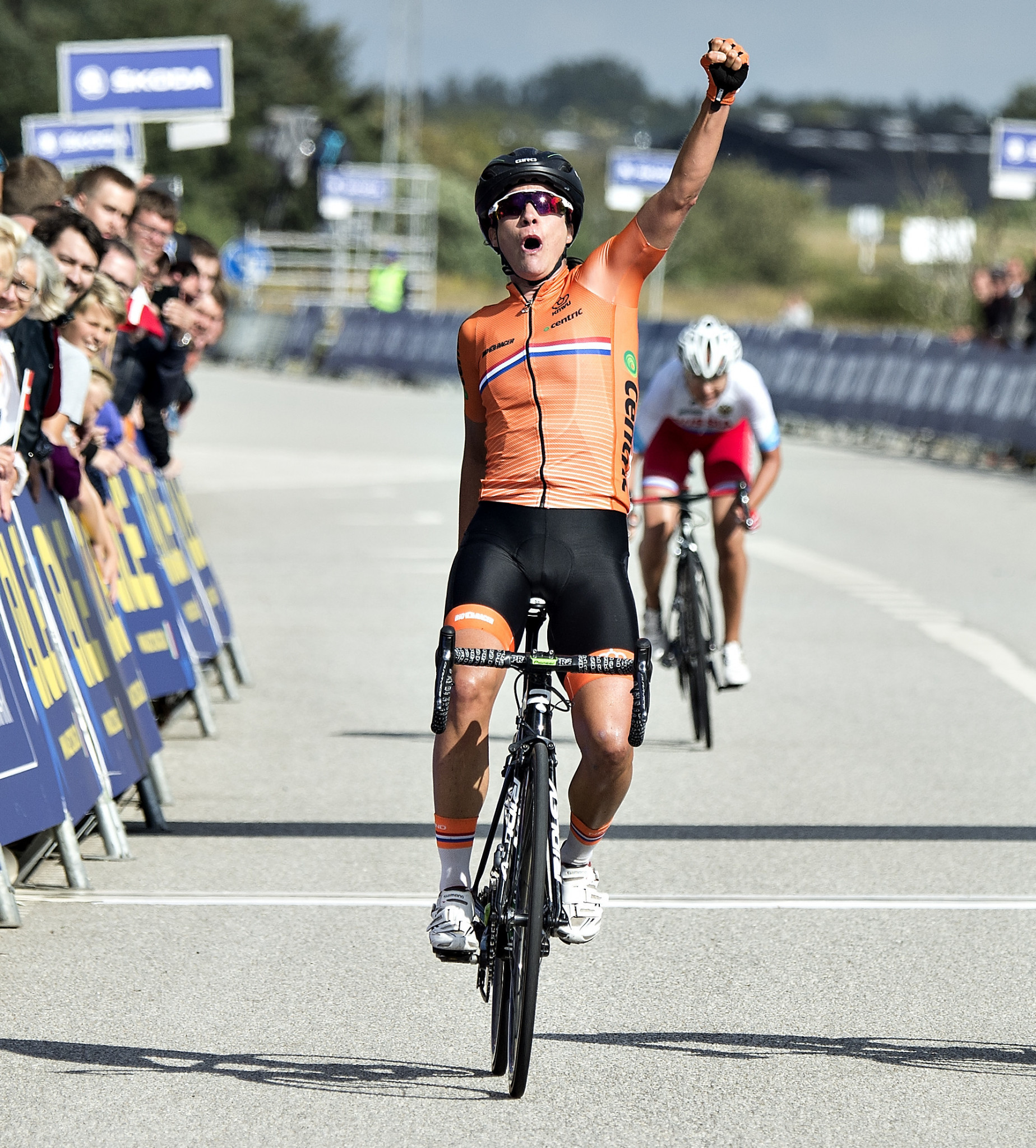 Vos gets back into winning mode at Giro Rosa but Dutch compatriot Van Vleuten keeps overall lead