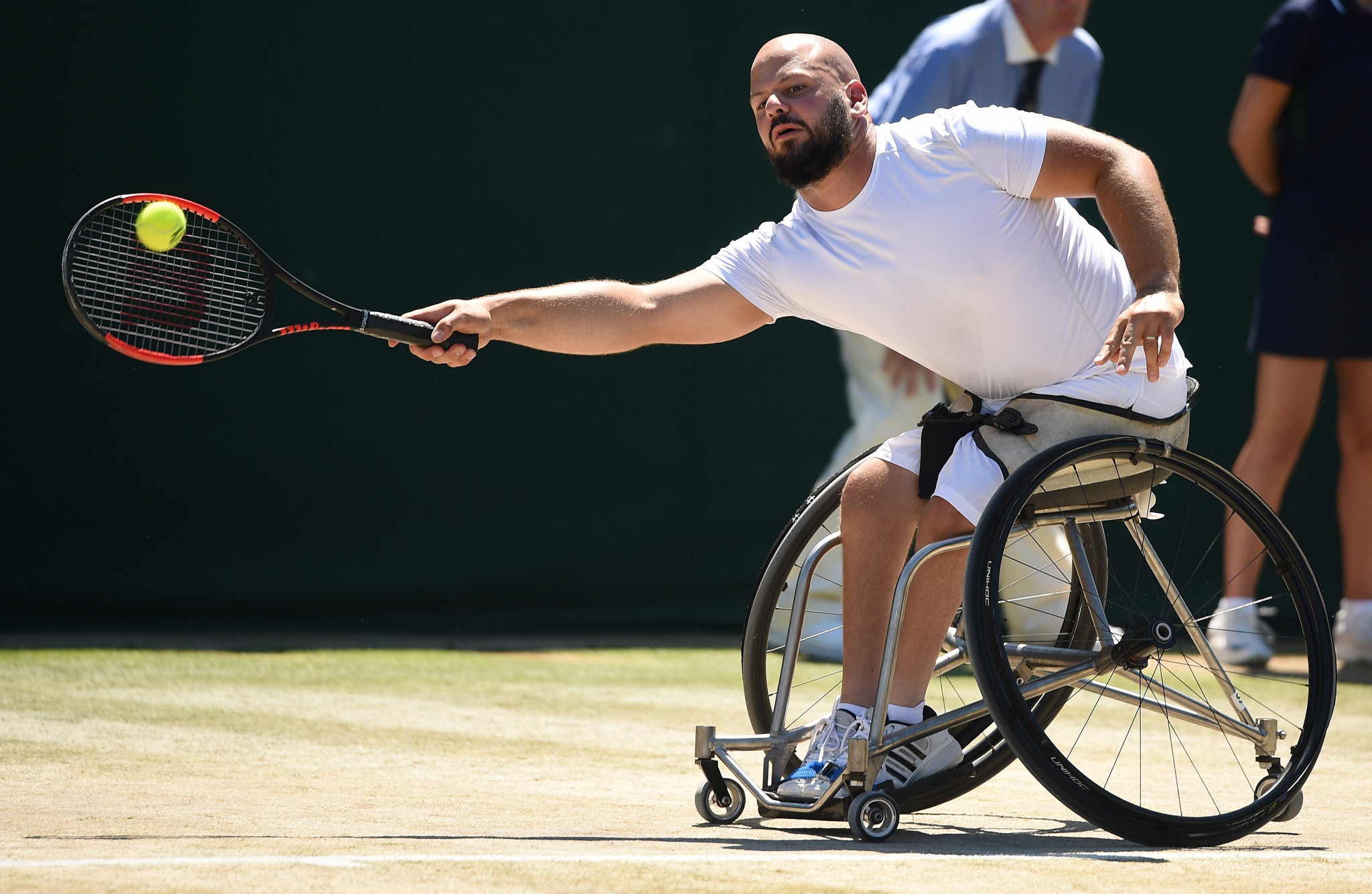 Olsson repeats history as he defends Wimbledon men's wheelchair singles title against Fernández