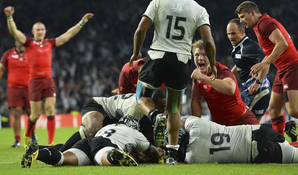 Billy Vunipola scores last gasp bonus point try as England beat Fiji in Rugby World Cup opener