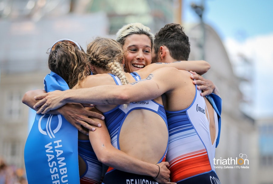 French mixed relay team emulate footballers at World Triathlon Series in Hamburg