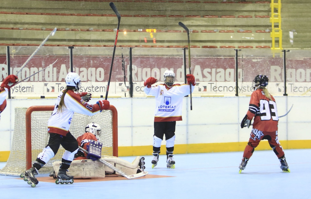 Czech Republic top pool at Inline Hockey World Championships
