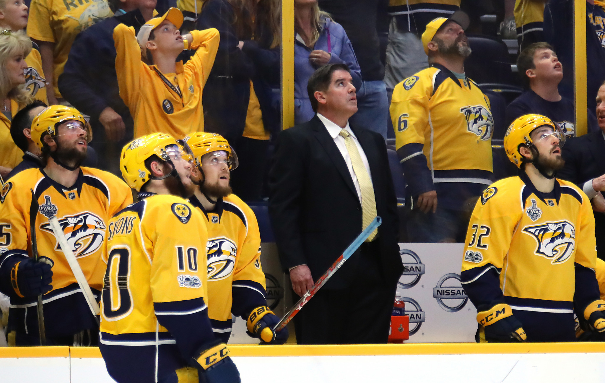 Former US Olympic ice hockey coach Peter Laviolette, in suit, is among graduates of Westfield State University ©Getty Images