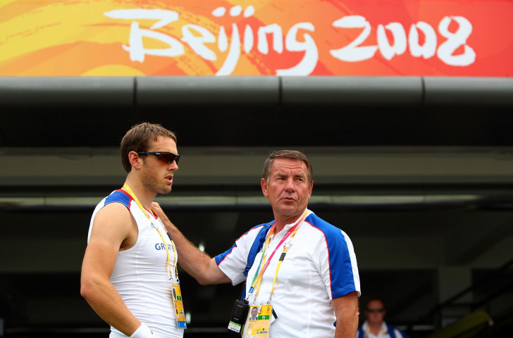 The human touch has been a key part of the coaching of Jürgen Grobler - seen here with Stephen Rowbotham during practice for the Beijing 2008 Games - as he has guided generations of German and British rowers towards the podium ©Getty Images