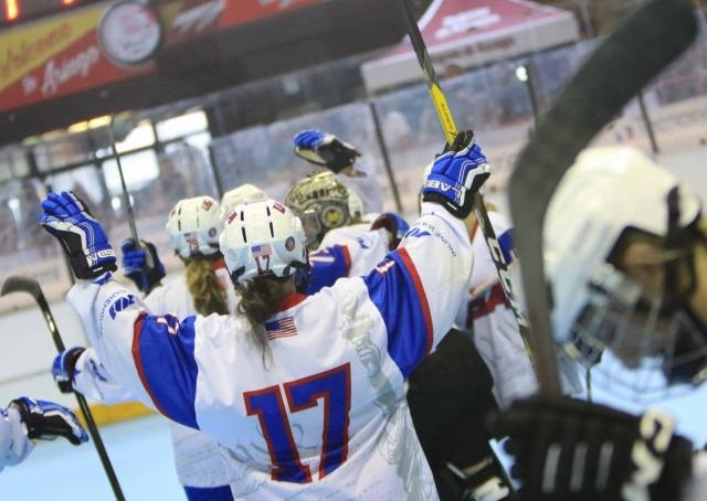 Holders United States survive scare to reach semi-finals at Inline Hockey World Championships