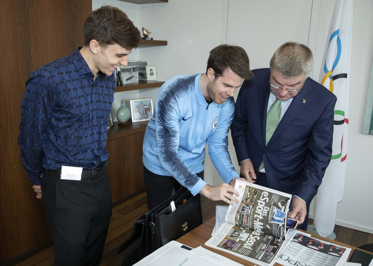 IOC President Thomas Bach will be interviewed by professional player Jake Lyon, left ©IOC