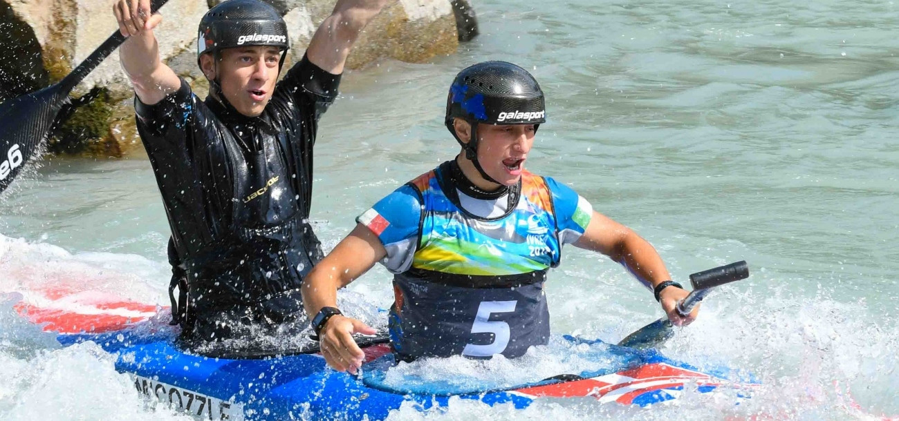 Italian siblings paddle to home gold at Under-23 and Junior Canoe Slalom World Championships