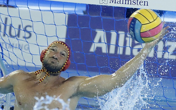 Spain also booked their quarter-final place with a 7-7 draw with Montenegro ©LEN