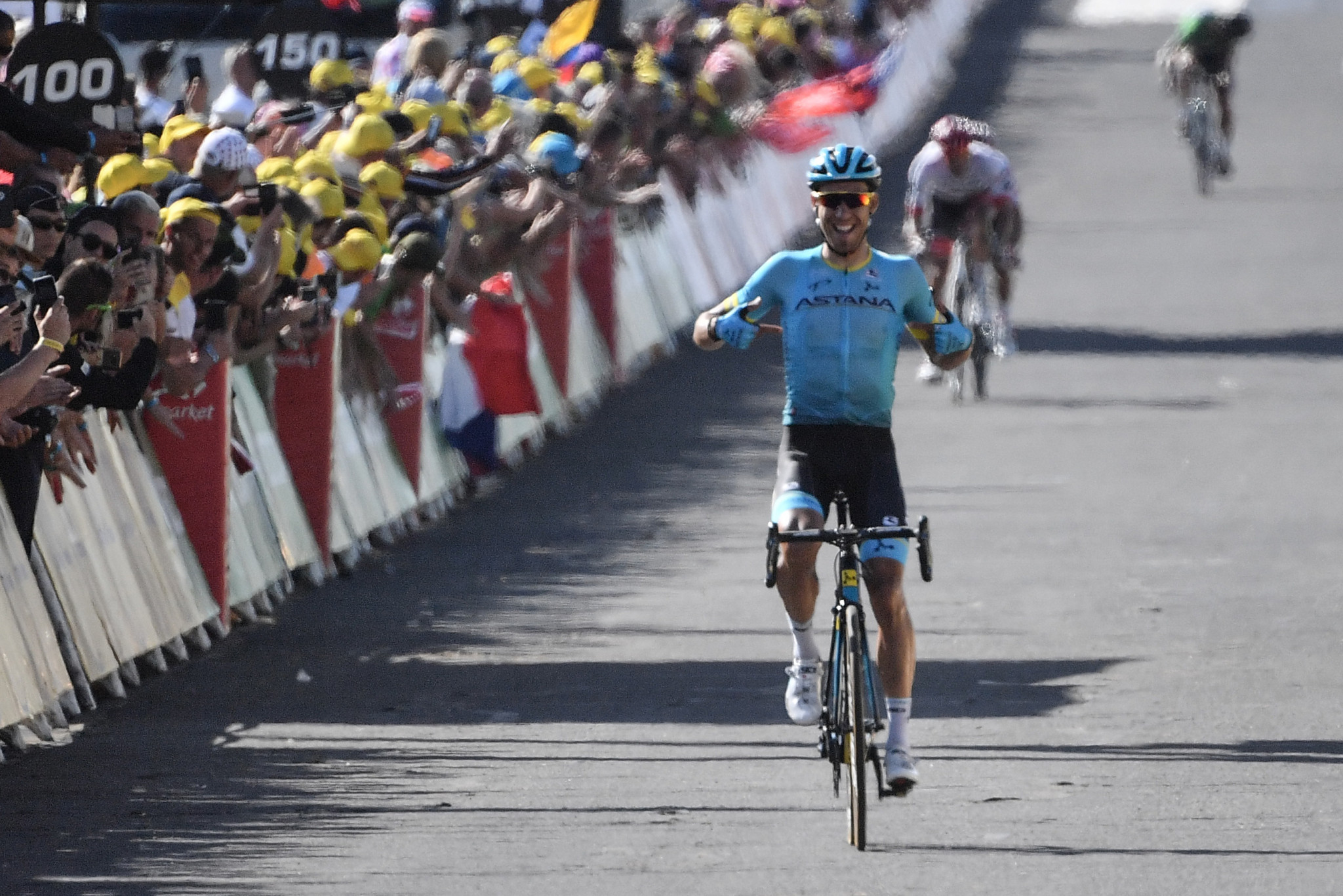 Fraile wins stage 14 from breakaway as Tour de France contenders finish together
