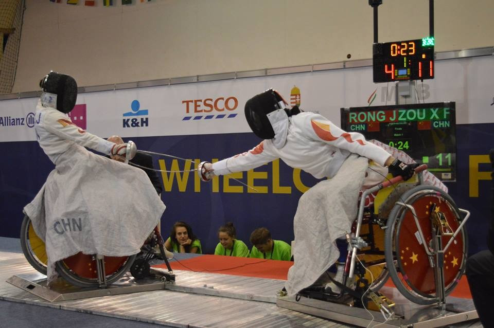 Xu Feng Zou shocks field to win women's epee gold at Wheelchair Fencing World Championships