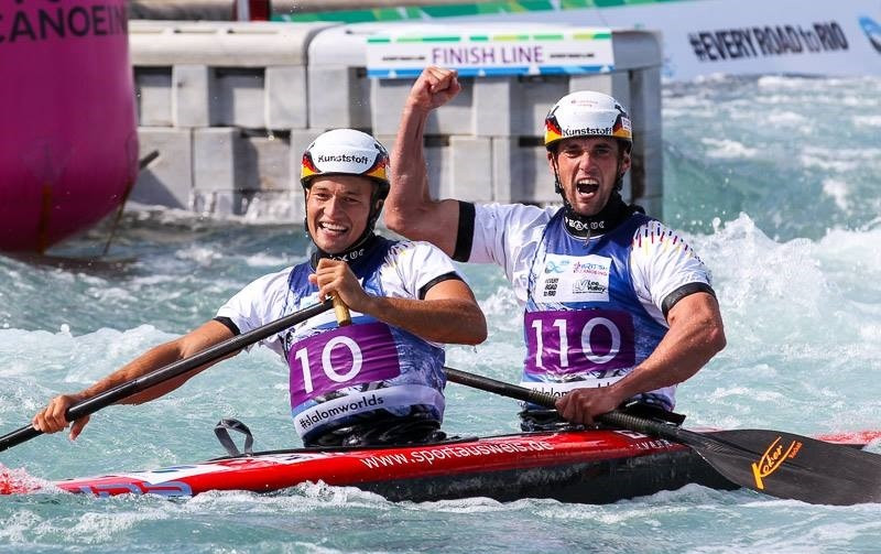 Franz Anton and Jan Benzien produced an excellent run to win men's C2 gold ©ICF