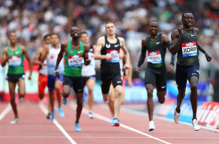 Kenya's Emmanuel Korir wins the 800m at the IAAF Diamond League meeting in London in a personal best of 1:42.05, the fastest time run this season ©Getty Images