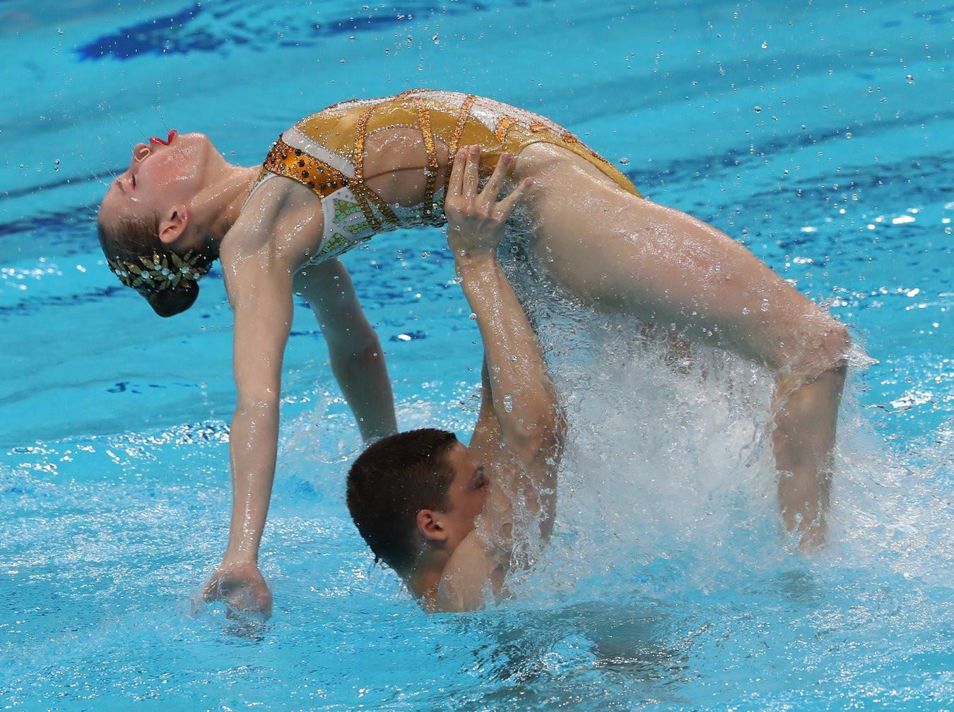 Alina Mantulenko and Mikhail Vasilez won gold in the mixed duet free final in their last performance as juniors ©FINA