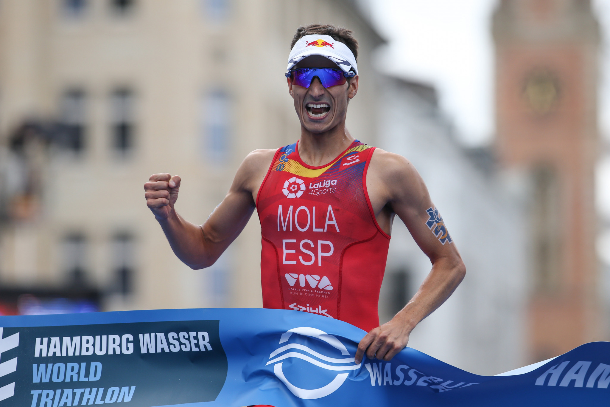 Mola the man to beat again at World Triathlon Series in Edmonton