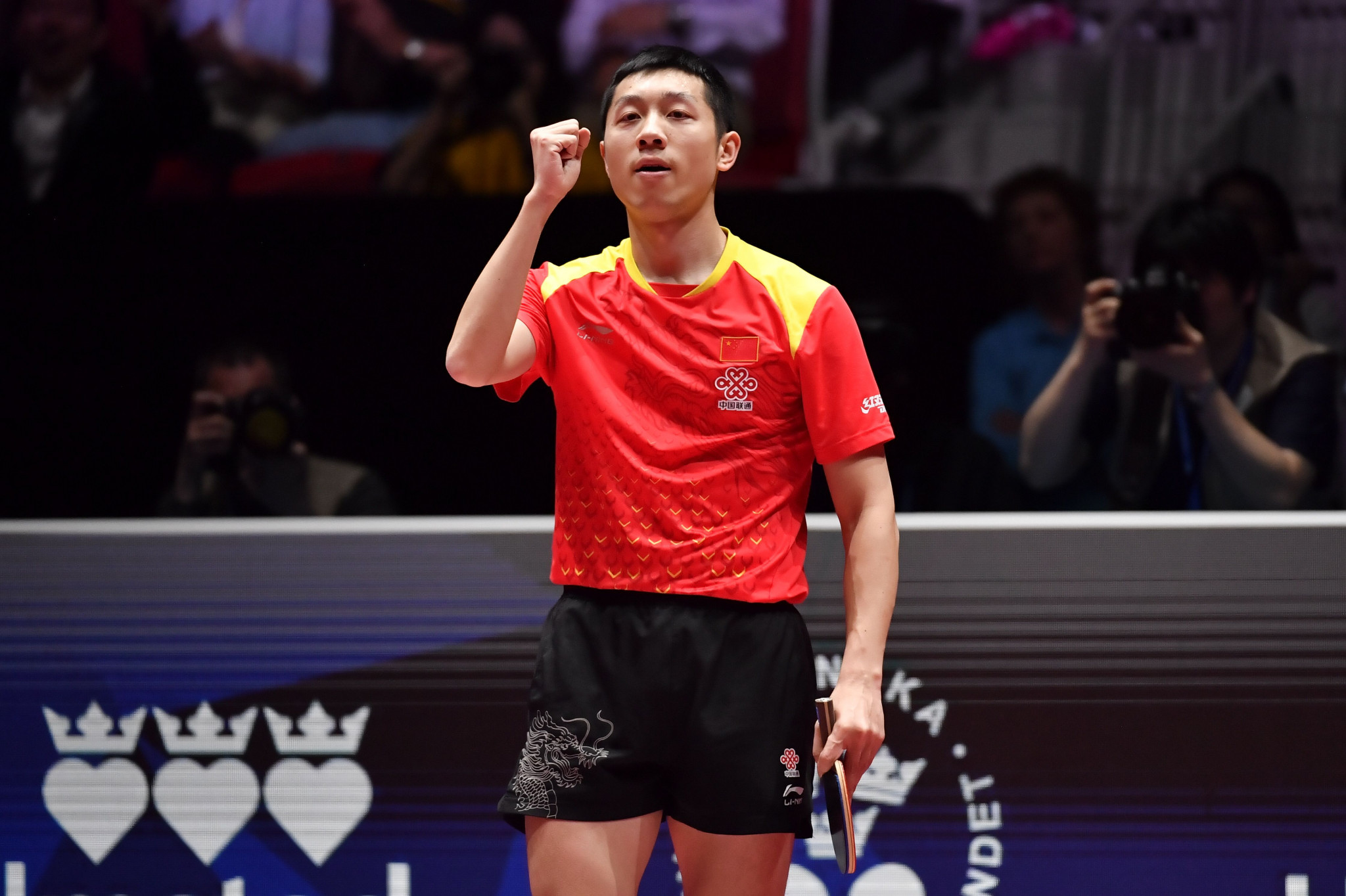 China's Xu Xin booked his place in the quarter-finals ©Getty Images