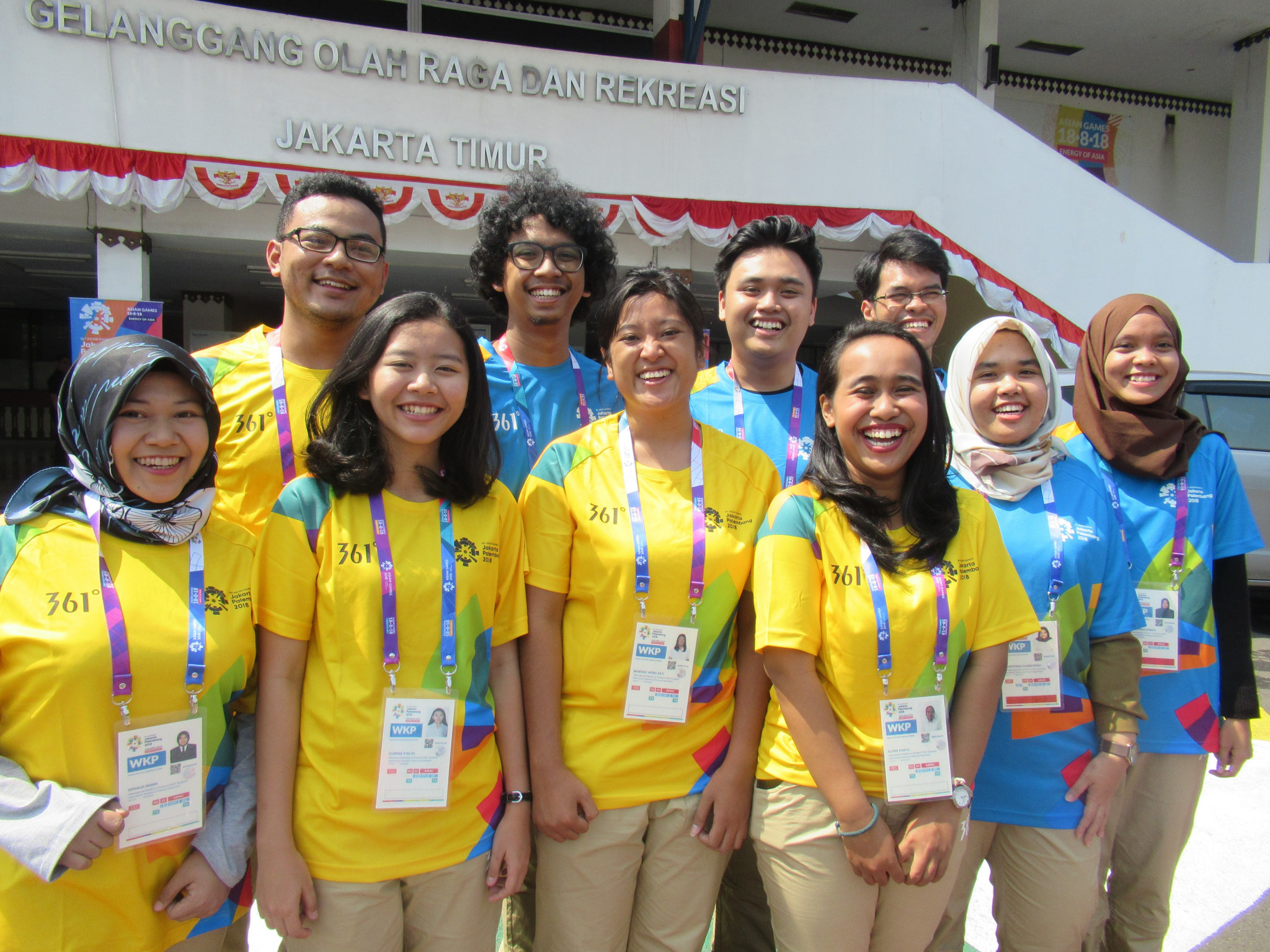 Volunteers For The Asian Games In Jakarta And Palembang Have Begun To Collect Their Uniforms And