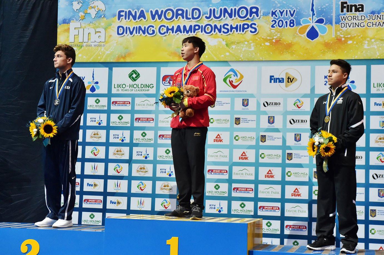 Rui Zhang and Daoyi Long keep China on gold standard at FINA World Junior Diving Championships