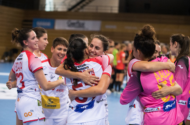 Defending women's champions Spain earned a big win against Romania at the World University Handball Championships but then missed out on a semi-final spot after losing to Poland ©FISU
