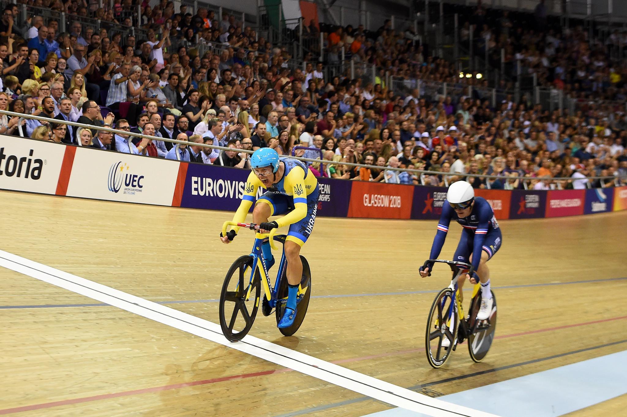 Roman Gladysh of Ukraine edge France's Adrien Garol in the men's scratch race ©Getty Images