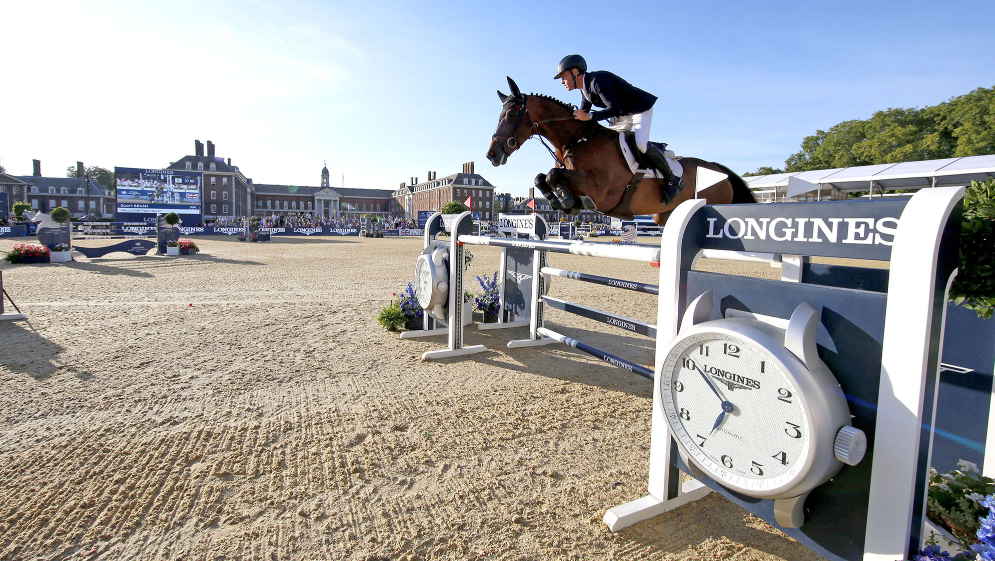 Maher extends Champions Tour lead as Brash takes second London title