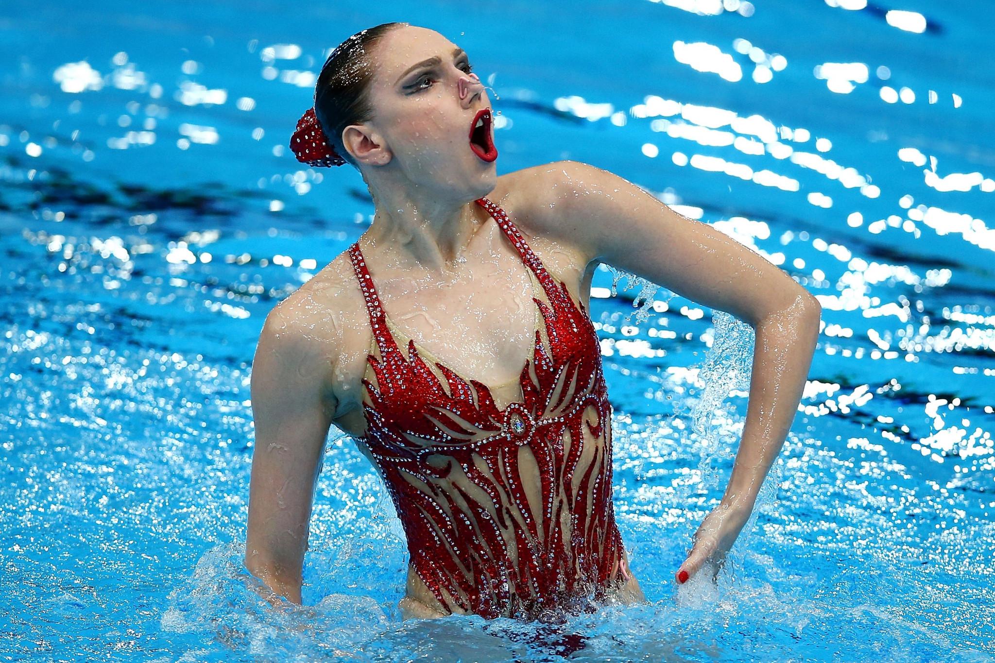 Svetlana Kolesnichenko leads the Russian artistic swimming team in Budapest ©Getty Images