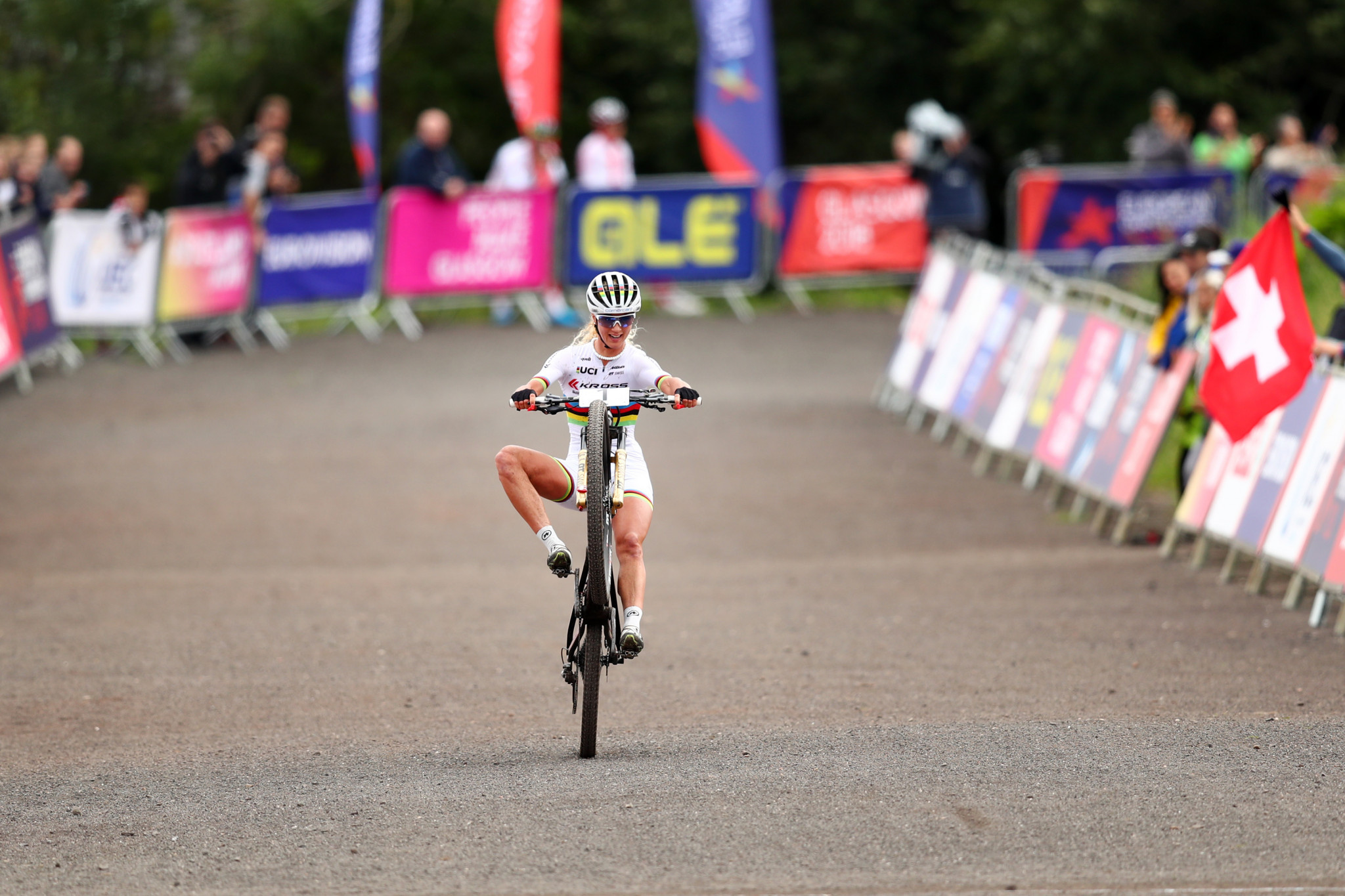 Jolanda Neff celebrated a comfortable victory in the women's mountain bike event ©Getty Images