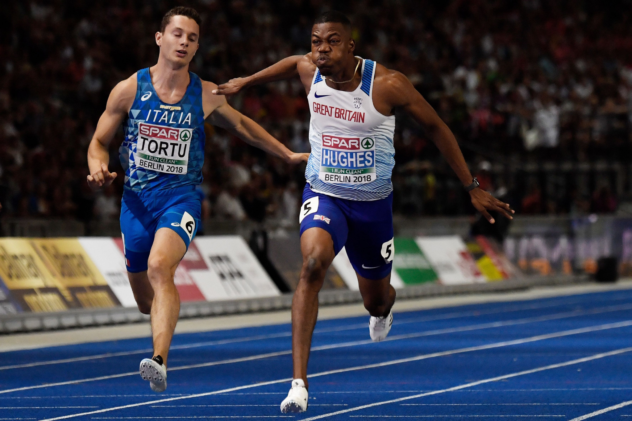 Zharnel Hughes then won the men's 100m title for Great Britain, after rival Jimmy Vicaut from France withdrew ©Getty Images