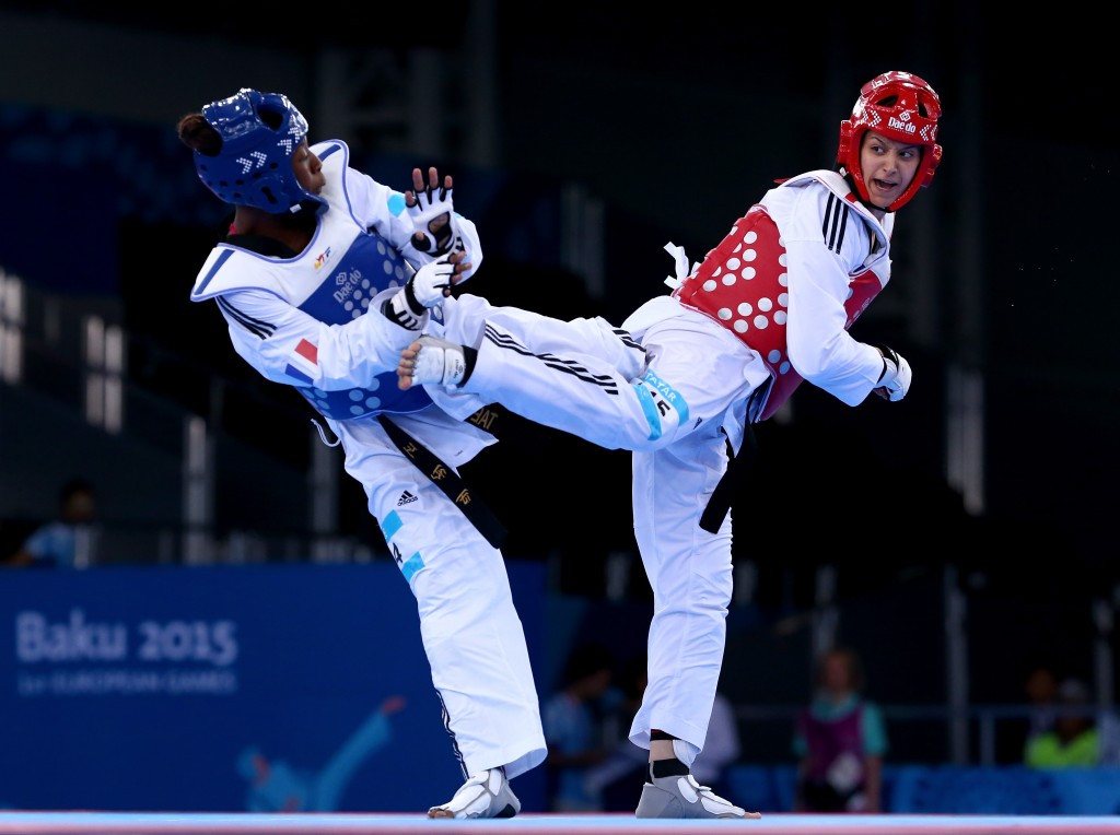 Haby Niare (left) competing against Nur Tatar of Turkey during the European Games in Baku ©Getty Images