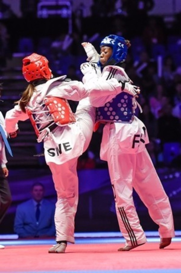 Sweden's Elin Johansson (left) beat France's Haby Niare (right) by a single point in the under 67kg category final in Queretaro last year ©WTF