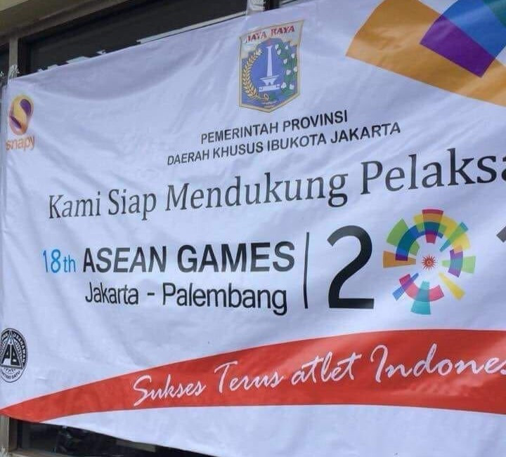 Banners containing mistakes have been ridiculed before the Asian Games ©Twitter