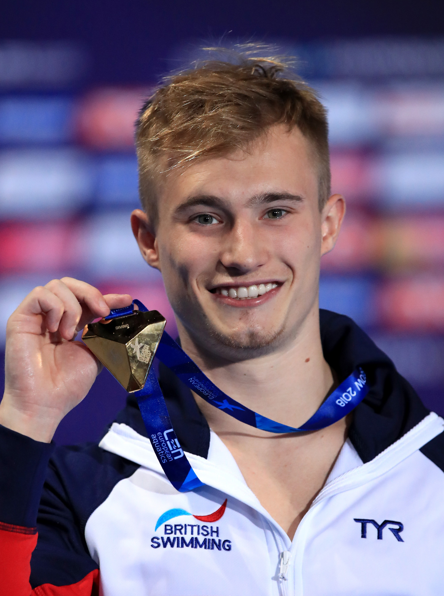 Laugher takes second gold medal in high quality springboard final at European Championships
