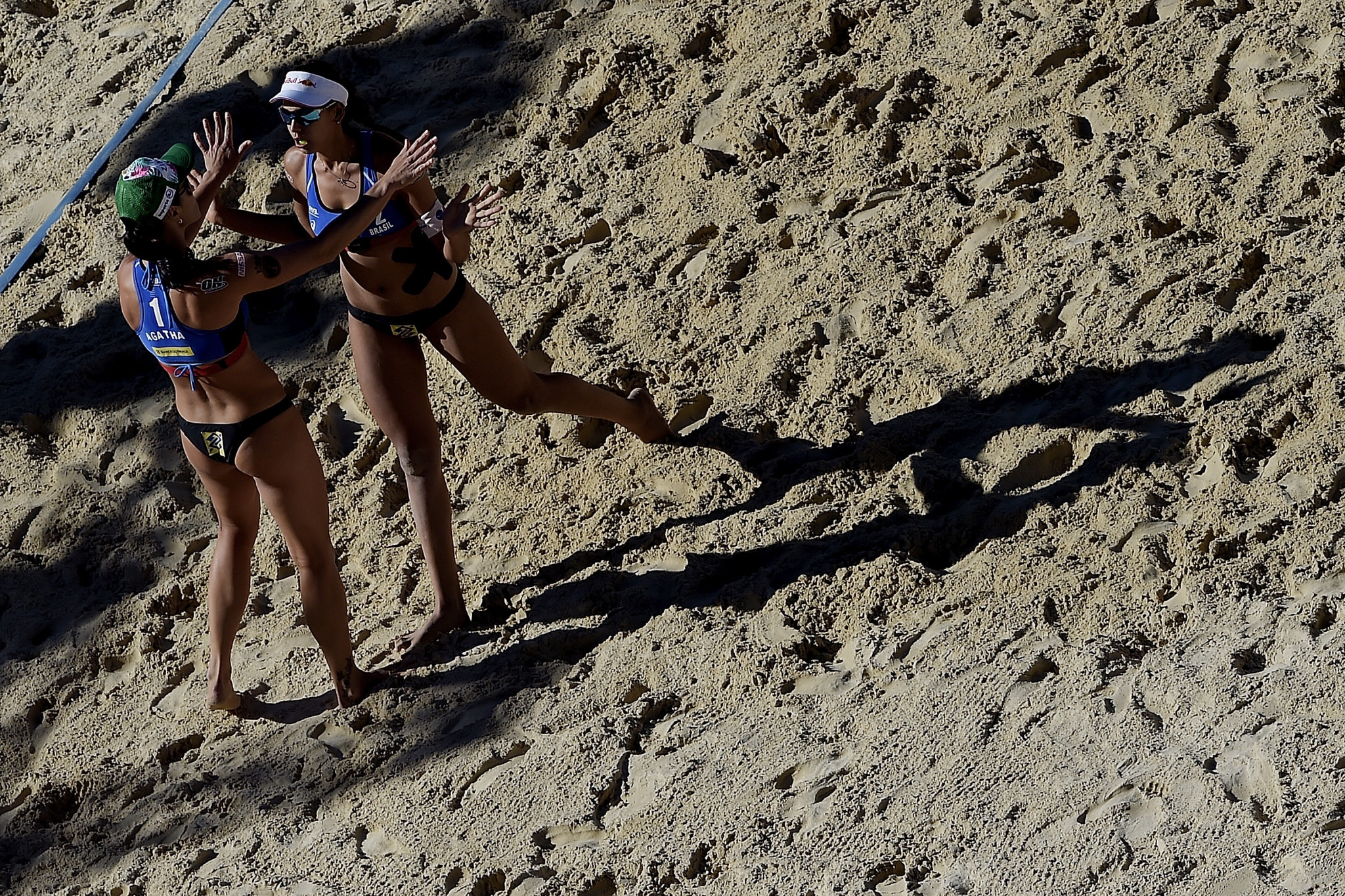 Agatha Bednarczuk and Eduarda Santos Lisboa of Brazil followed the Canadian pair Sarah Pavan and Melissa Humana-Paredes into the next round of the FIVB Moscow Open ©Getty Images