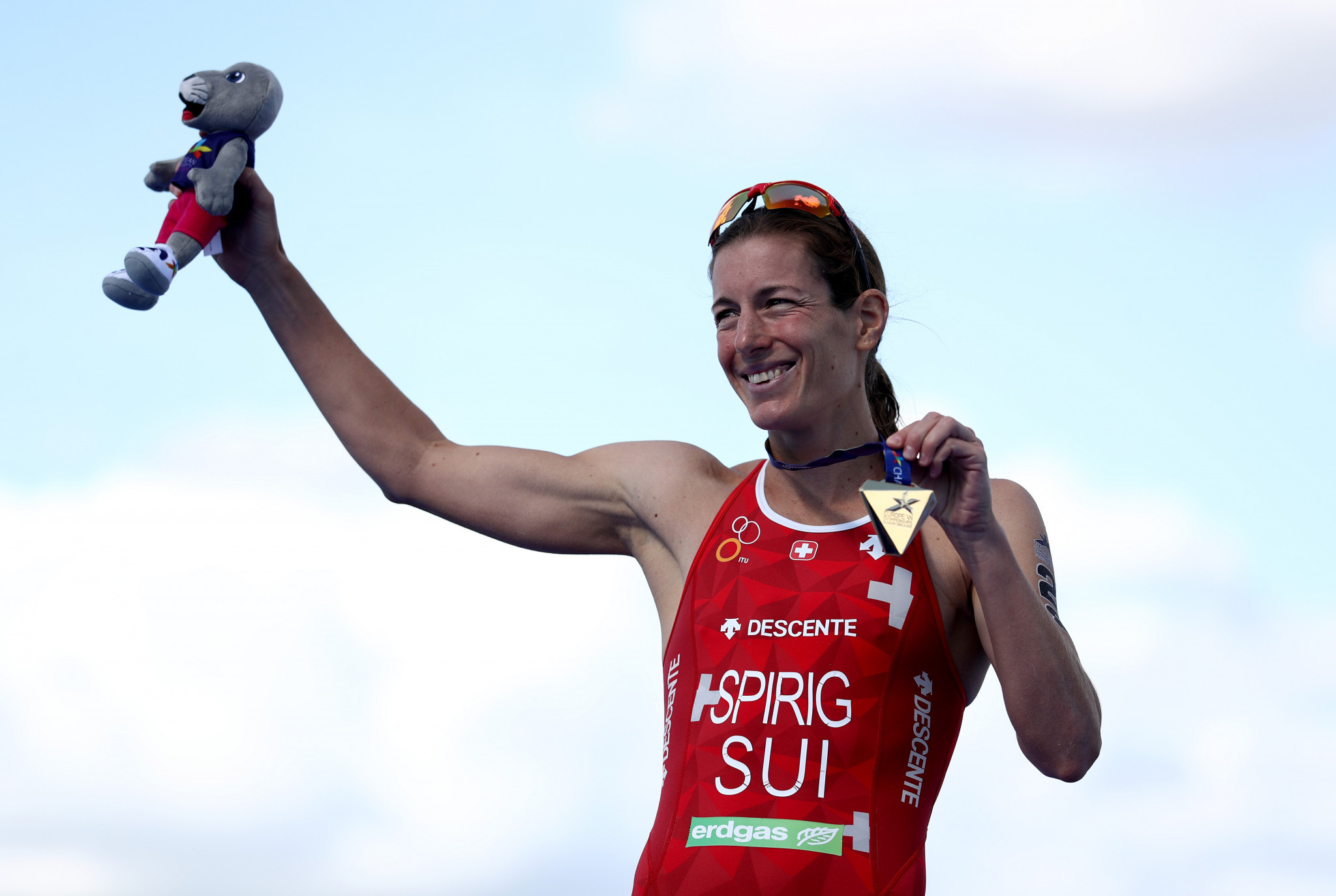 Switzerland's Spirig claims first triathlon gold medal of 2018 European Championships as swimming action concludes