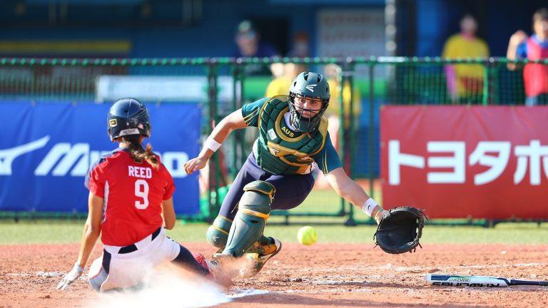 United States set-up semi-final against hosts Japan at Women's Softball World Championships