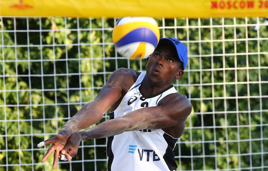 Cherif Younousse and Ahmed Tajin from Qatar are into the quarter-finals of the FIVB Mosvow Open after beating their Russian opponents 21-18, 17-21, 19-17 today ©FIVB
