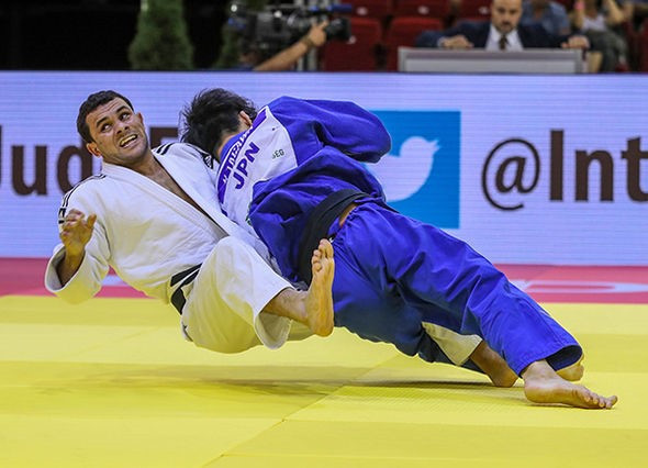 Kenzo Tagawa also clinched victory as he won the men's under-66kg category ©IJF