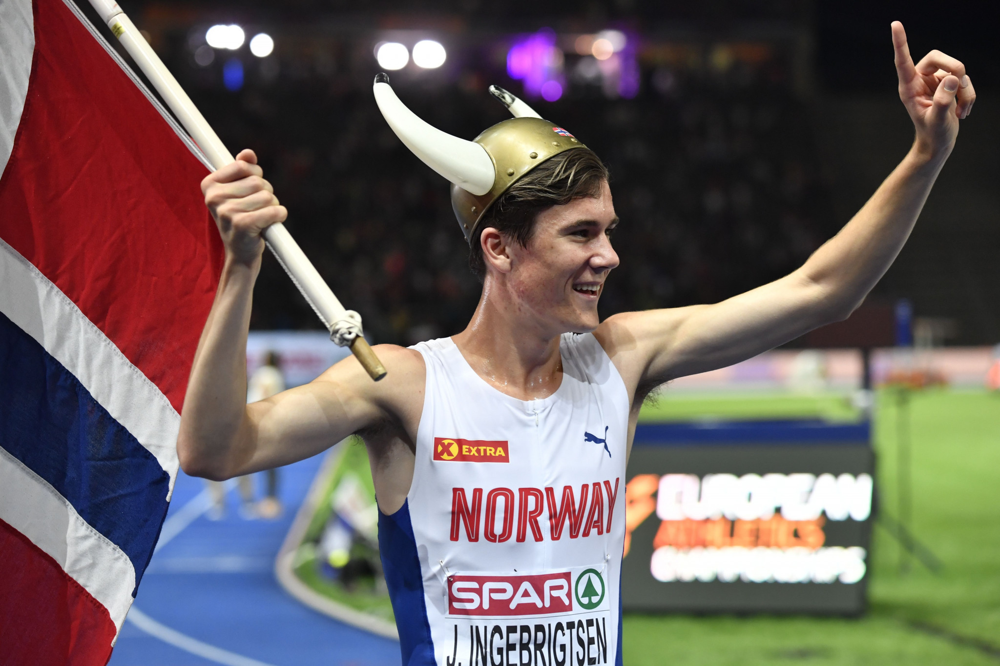 Jakob Ingebrigtsen, 17, comes of age in 1500m as youngest European track champion