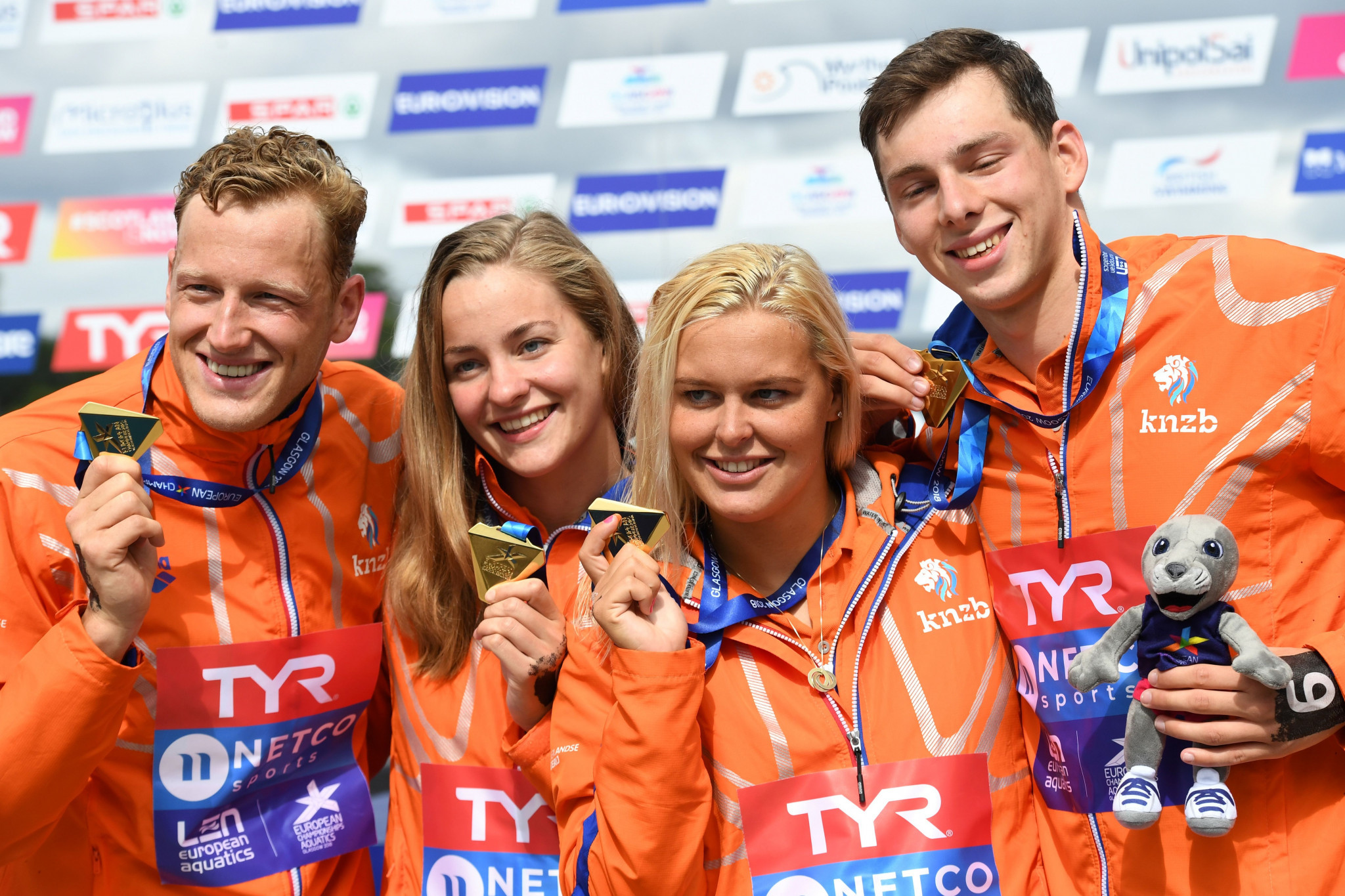 Dutch domination of open water swimming continues with mixed relay title at European Championships