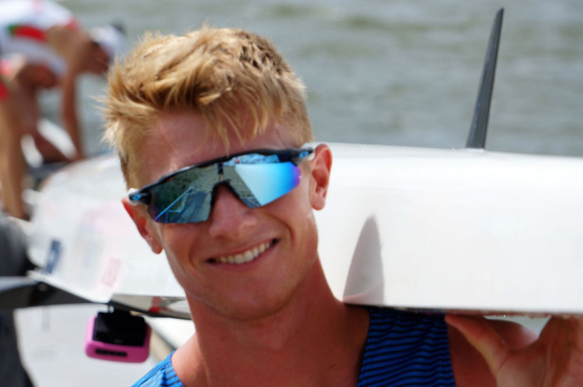 Clark Dean of the United States remains on course to defend his men's single sculls title ©Twitter